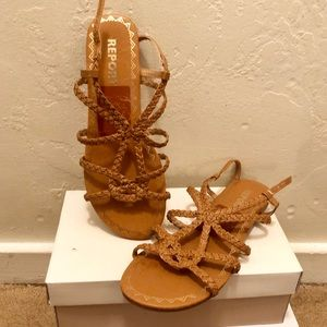 NWT REPORT brown leather strappy sandals sz. 9✨